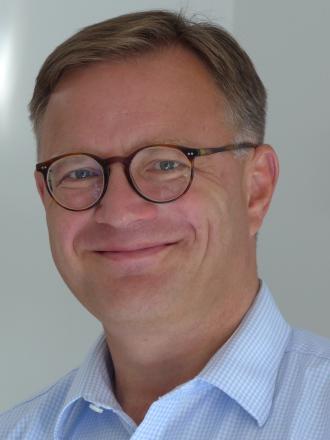 Dr. med.,Walter Riffeser